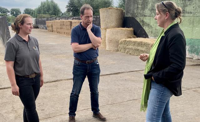 Frauke Patzke besucht Hof in Mesmerode
